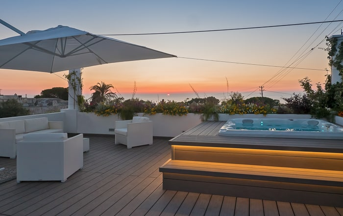 Casa Cristina - hot tub at sunset