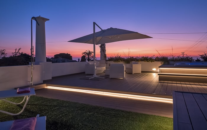 Casa Cristina - terrace by night